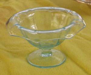 AQUA CRYSTAL COMPOTE Rolled Edge Depression Era